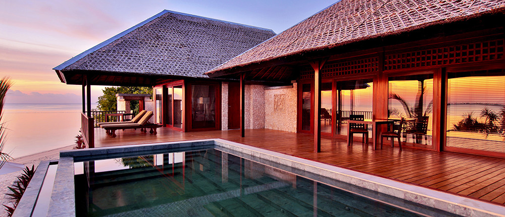 Feature 1000x430 Wakatobi Villa _ view at Sunset