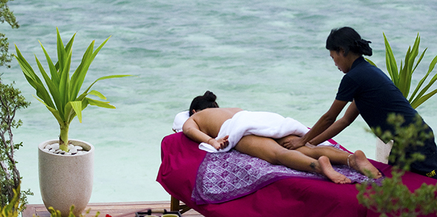Massage at Wakatobi Villa2_photo by Shawn Levin