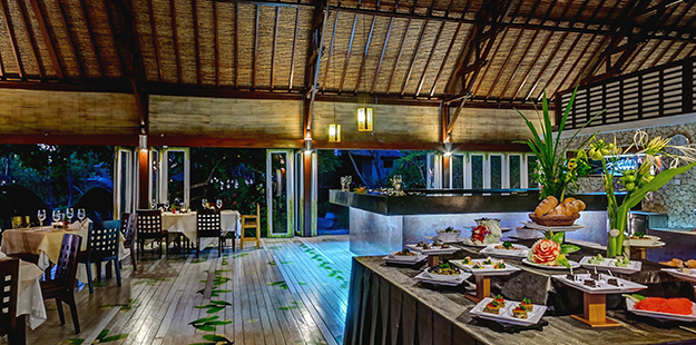 Wakatobi's restaurant reflects our belief that dining should be a relaxing, entertaining and gratifying experience. Photo by Didi Lotze