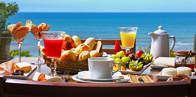 breakfast at the villa_WS