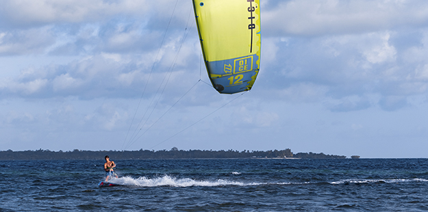 kiting-wakatobi-resort