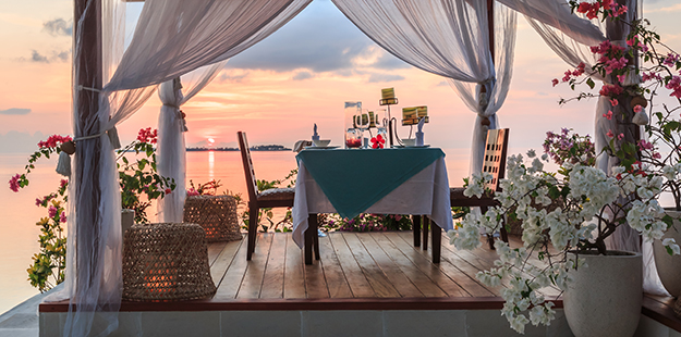 Romantic sunset dinners are our specialty. Photo by Marco Fierli