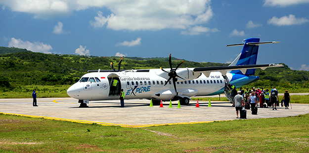 Flights to and from Wakatobi are scheduled onMondaysandFridays, leaving Bali around 8am on the outward leg to the resort, and arriving back into Bali around 3pm on the same day.